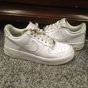 Nike Air Force 1 low white size 6